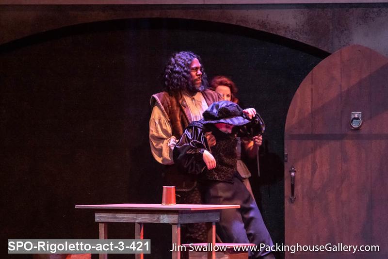 SPO-Rigoletto-act-3-421.jpg