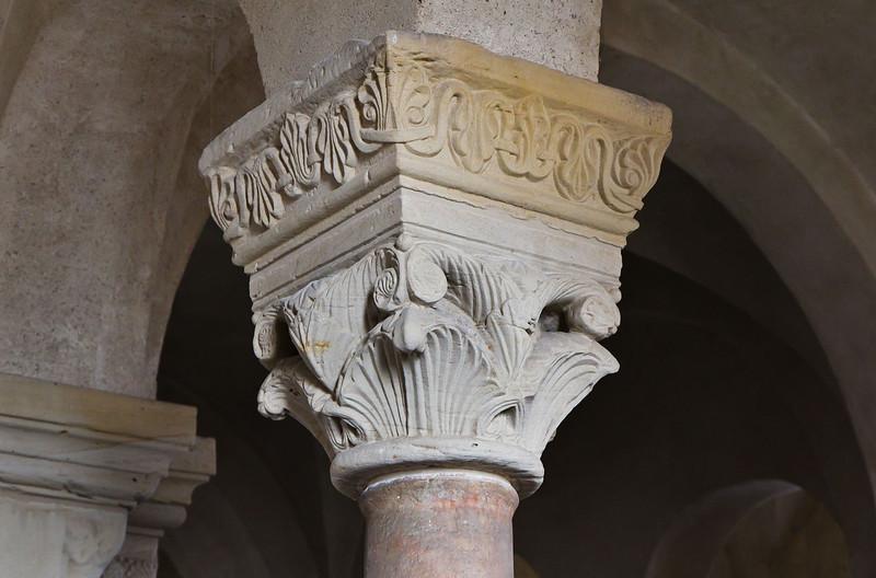 Landsberg/Saale, Doppelkapelle. Obere Kapelle, Säulenkapitell