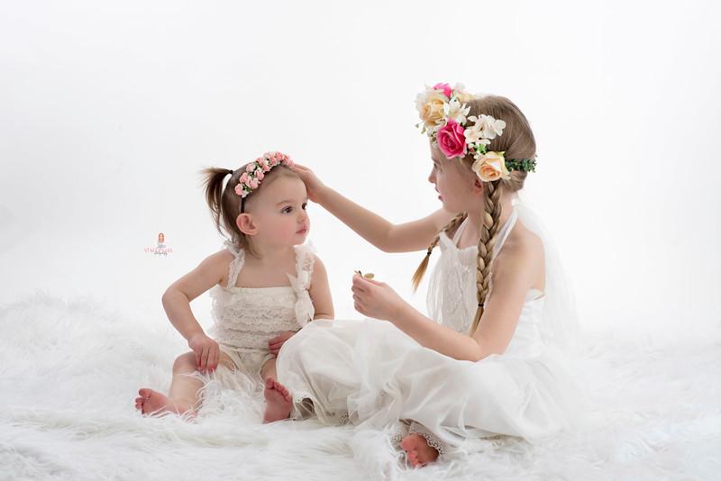 sisters-spring-photos.jpg