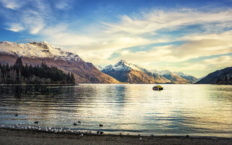 sunset-eichardts-queenstown-new-zealand.jpg