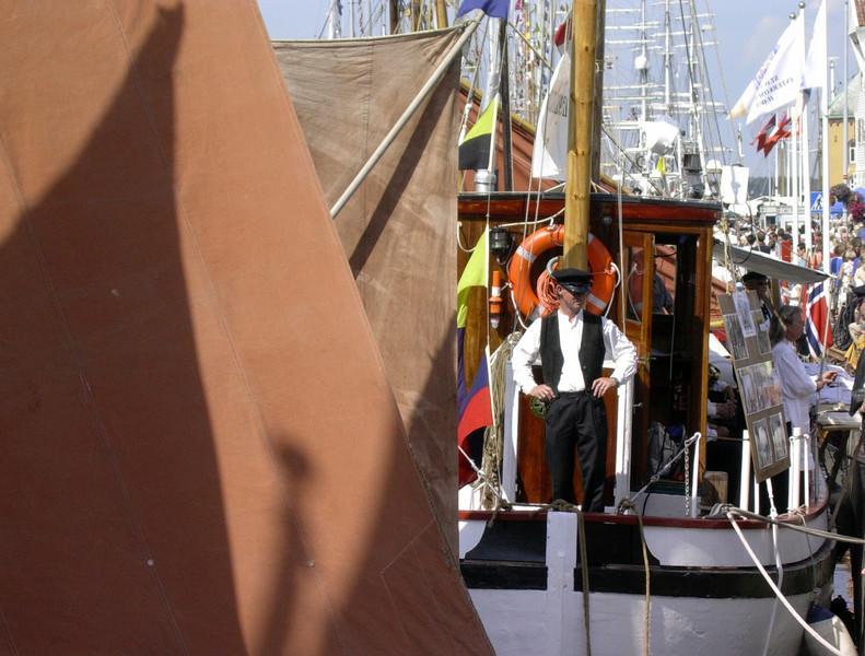 Kaptein på fiskebåt - Tall Ships Race 2004  Captain of a fishing boat - Tall Ships Race 2004 (Foto: Ståle)