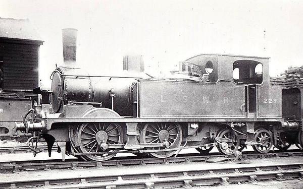 LOCOMOTIVES OF THE LONDON & SOUTH WESTERN RAILWAY