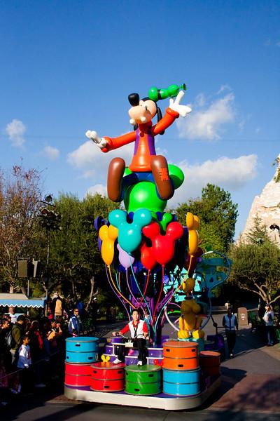 2010 - Jan - 18-24 - Family Disneyland Trip-9253