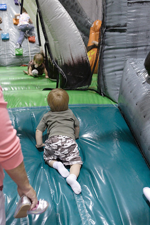 Liam's 5th Bday - JumpZone 2009