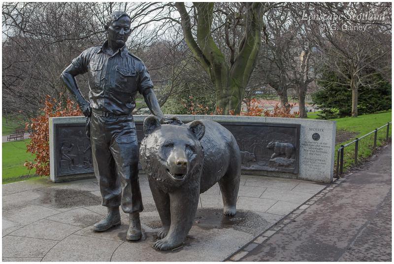 Wojtek the bear statue, West Princes Street Gardens (2)