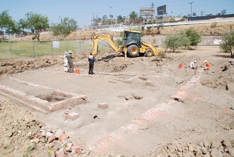 2010-07-02_LASHP_Archeology_16.JPG