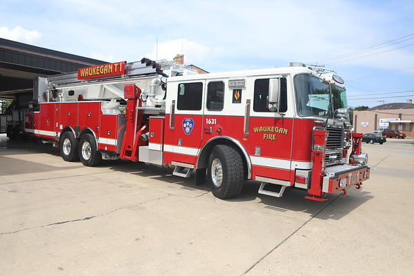 Waukegan Fire New Seagrave Tower Ladder