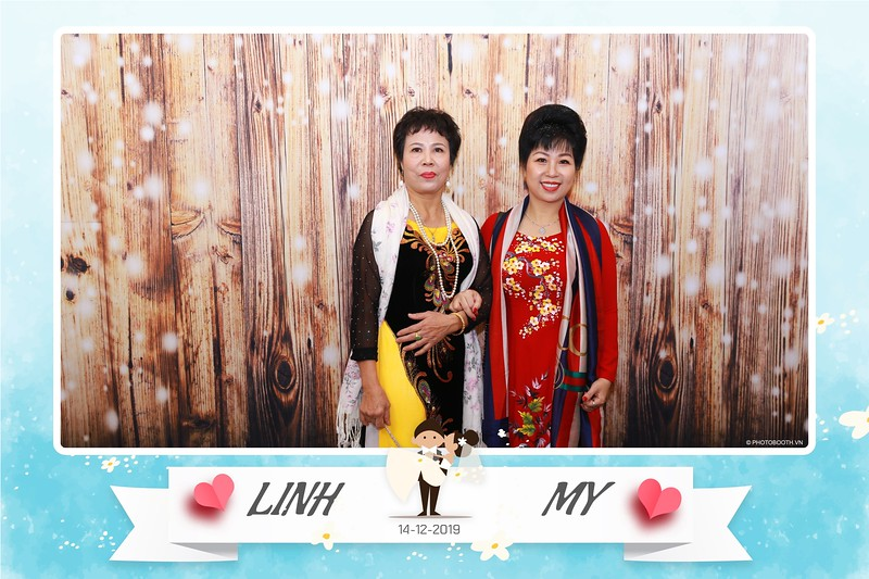 Linh-My-wedding-instant-print-photo-booth-in-Ha-Noi-Chup-anh-in-hnh-lay-ngay-Tiec-cuoi-tai-Ha-noi-WefieBox-photobooth-hanoi-19.jpg