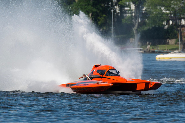 Racing-