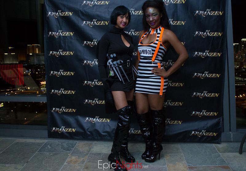 103013 Halloween Suite Party-6603.jpg