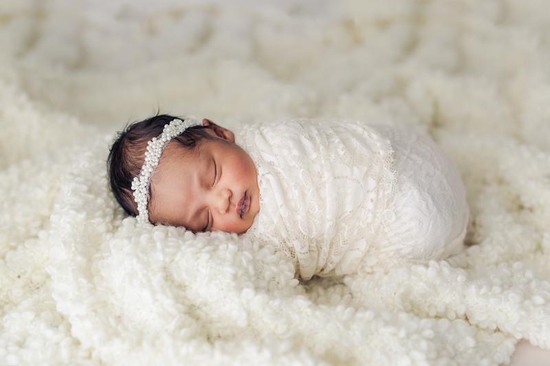 Ava's Newborn Session-26.jpg