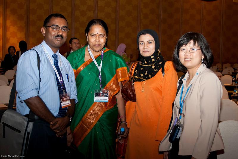 Dr JV Sangkar, Dr Puru, Prof Sh Fadillah and Dr Goh Kim Yen