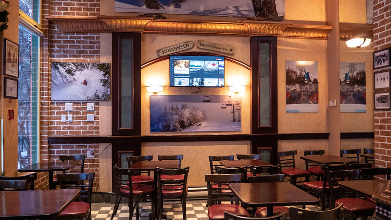 Mont-Tremblant-Quebec-Restaurant-Au-Grain-De-Cafe-04.jpg