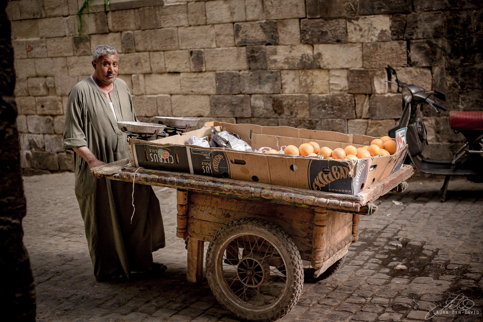 Street vendor in the old Jewish quarter in Cairo