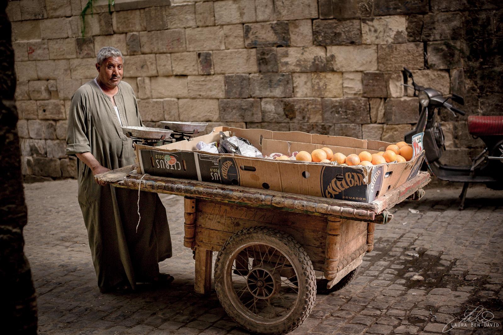 Street vendor in the old Jewish quarter in Cairo