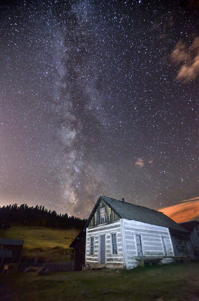 Walker Ranch Milky way re-mastered-1.jpg