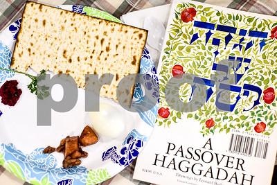 4/11/17 Community Seder by Chelsea Purgahn