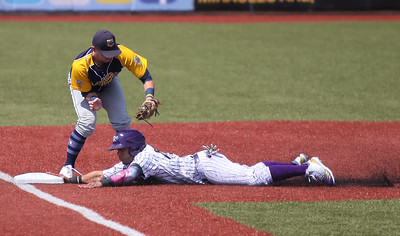 Crushers beat Beach Bums with timely hitting