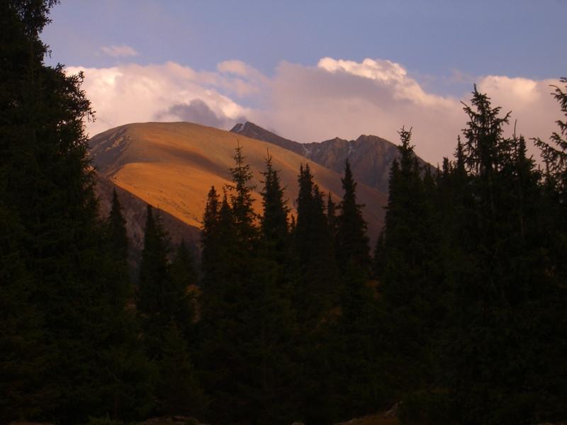 Hiking to Altyn Arashan - Karakol, Kyrgyzstan