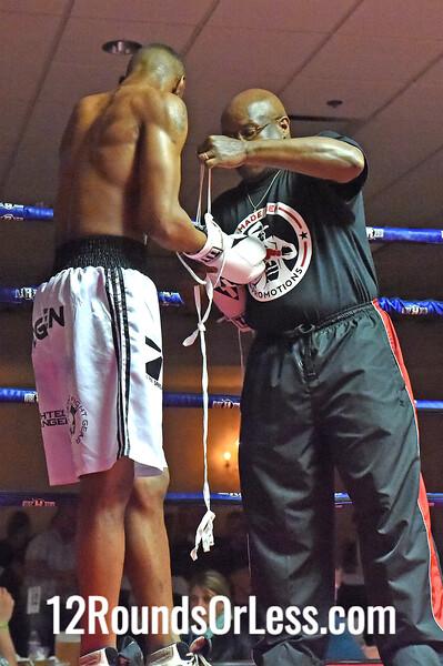Bout 4 Sonny Fredrickson, Toledo, OH -vs- Rick Ogden, Kalamazoo, MI, 137 lbs
