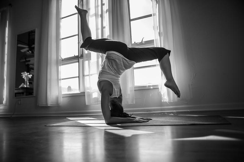 2014 10 10 Kelly goRockett yoga-13.jpg