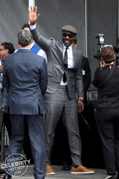 Idris Elba Stylish In Flat Cap And Smart Suit, Los Angeles