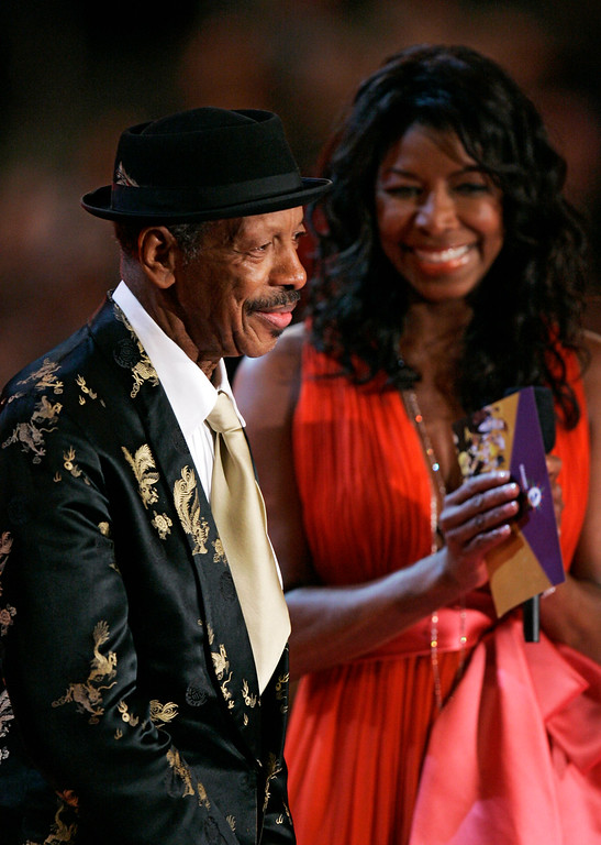 . Natalie Cole and Ornette Coleman present the award for best new artist during the 49th Annual Grammy Awards on Sunday, Feb. 11, 2007, in Los Angeles.  (AP Photo/Mark J. Terrill)