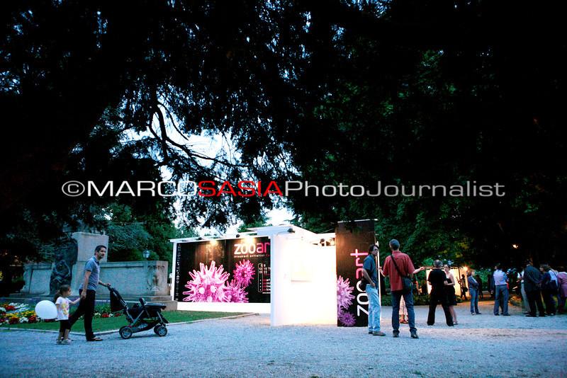 0135-zooart-01-2012.jpg