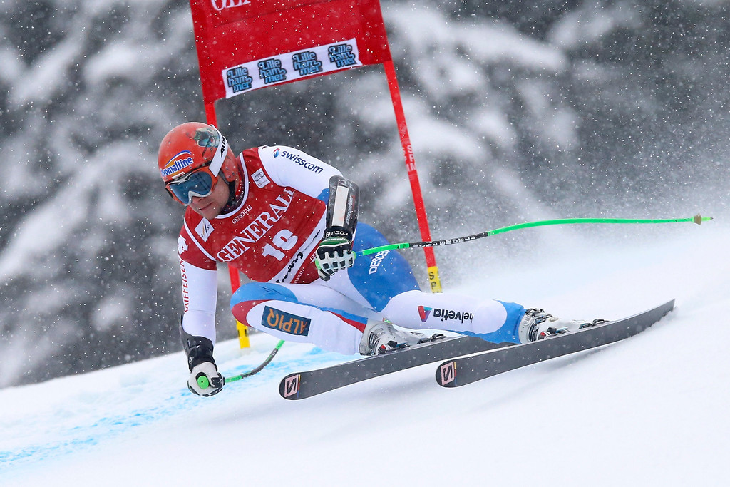 . Patrick Kueng of Switzerland speeds down the slope during the Men\'s Super G race at the Alpine Skiing World Cup in Kvitfjell, Norway.  EPA/CORNELIUS POPPE