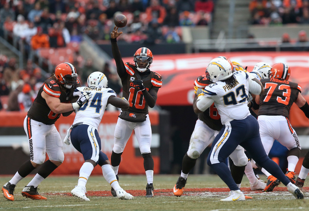 . Cleveland Browns quarterback Robert Griffin III (10) passes against the San Diego Chargers in the first half of an NFL football game, Saturday, Dec. 24, 2016, in Cleveland. (AP Photo/Aaron Josefczyk)