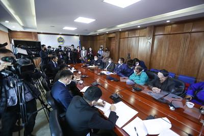 Эрдэнэбүрэнгийн УЦС-ын талаар шаардлага хүргүүлж буй малчдыг Эрчим хүчний сайд яаман дээрээ хүлээн авч уулзлаа