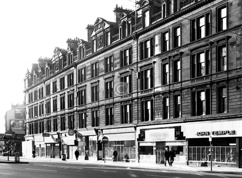 Trongate, south side east of Chisholm St.    May 1974