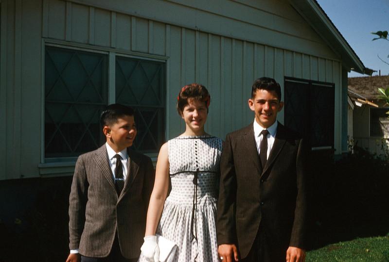 1960 John, Sue & Greg.jpg
