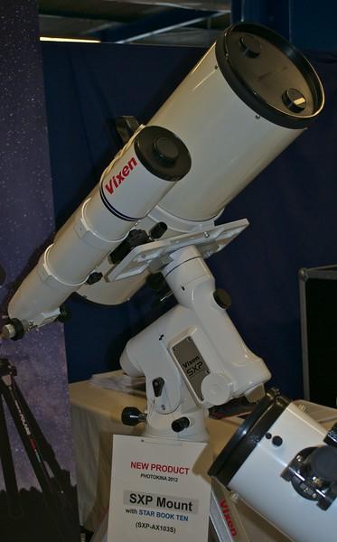 Vixen SXP carrying two scopes
