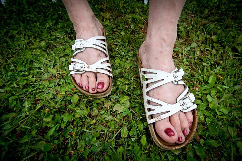 Kristians wedding feet-11.jpg