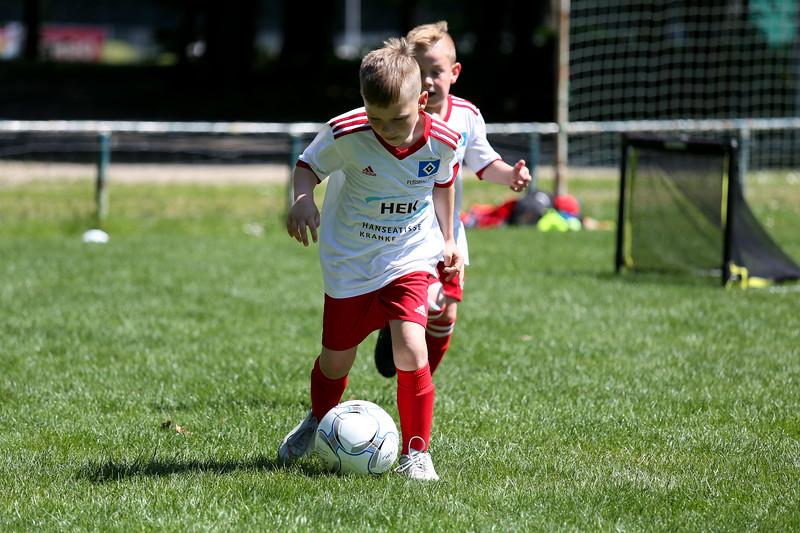 hsv_fussballschule-519_48047958846_o.jpg