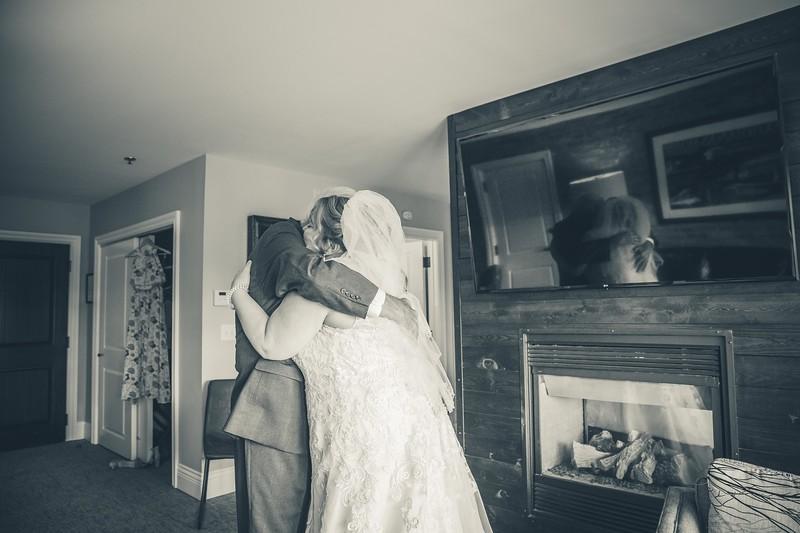 Beloit-WI-Ironworks-hotel-Wedding-Photographere_m_27.jpg