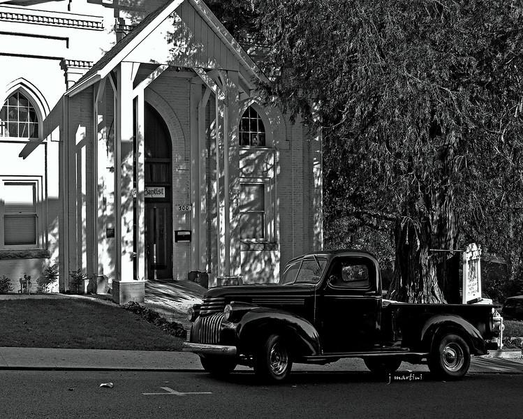 b&w pickup 11-5-2010.jpg