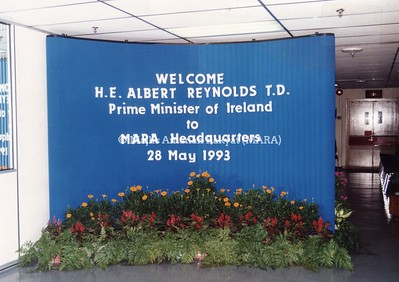 1993 - LAWATAN PERDANA MENTERI IRELAND KE IBU PEJABAT MARA