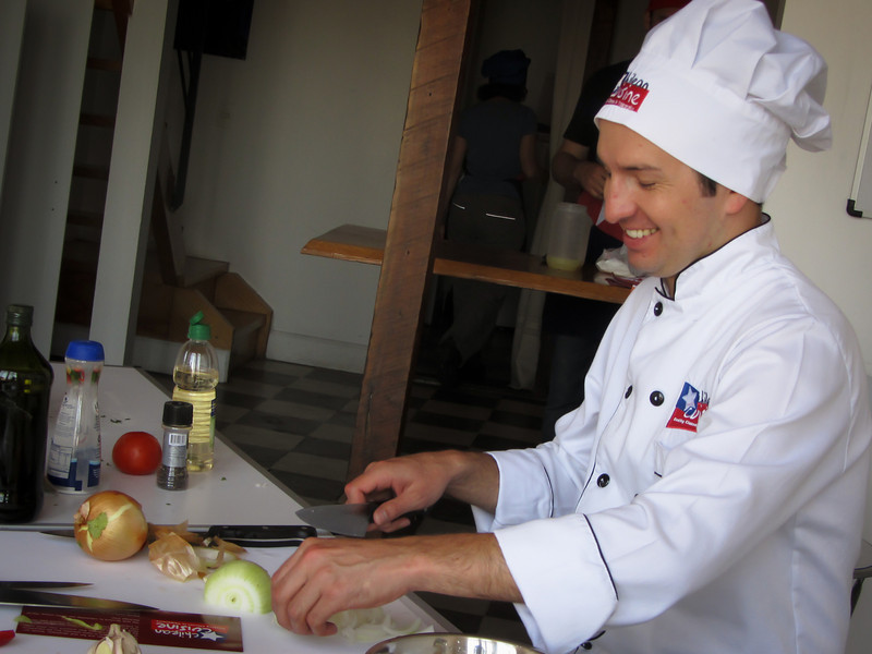 Valparaiso 201202 Cooking (16).jpg