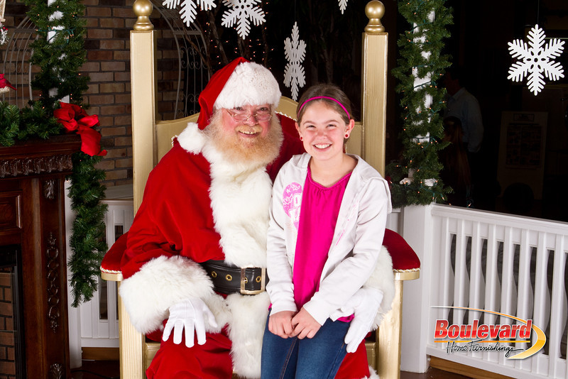 Santa Dec 8-281.jpg