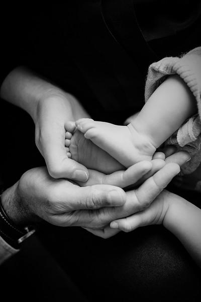 GANDHI FAMILY (lo-res)-35.jpg