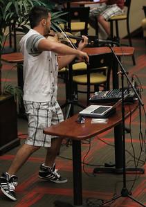 Svet: Hip-Hop Violinist