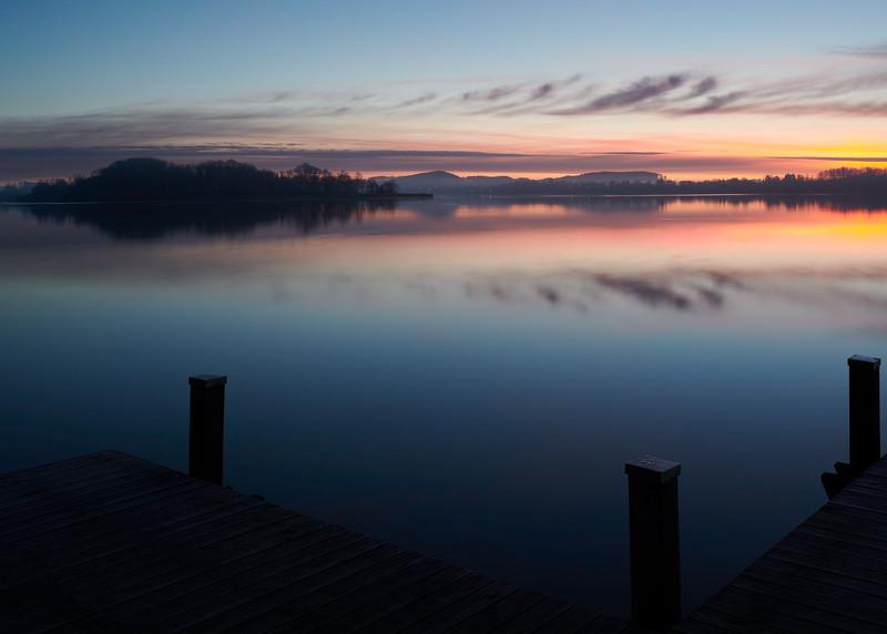 Sonnenaufgang am Wörthsee, Oberbayern, Bayern, Deutschland