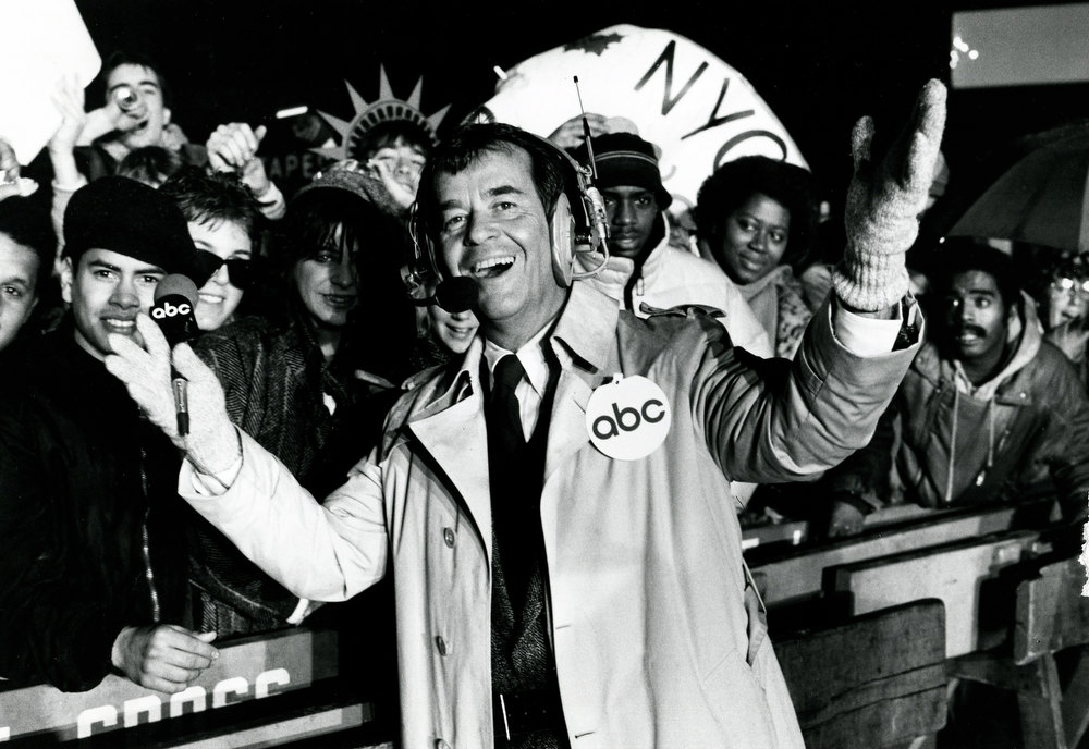 Description of . NYRE 1986 Dick Clark in Time Square