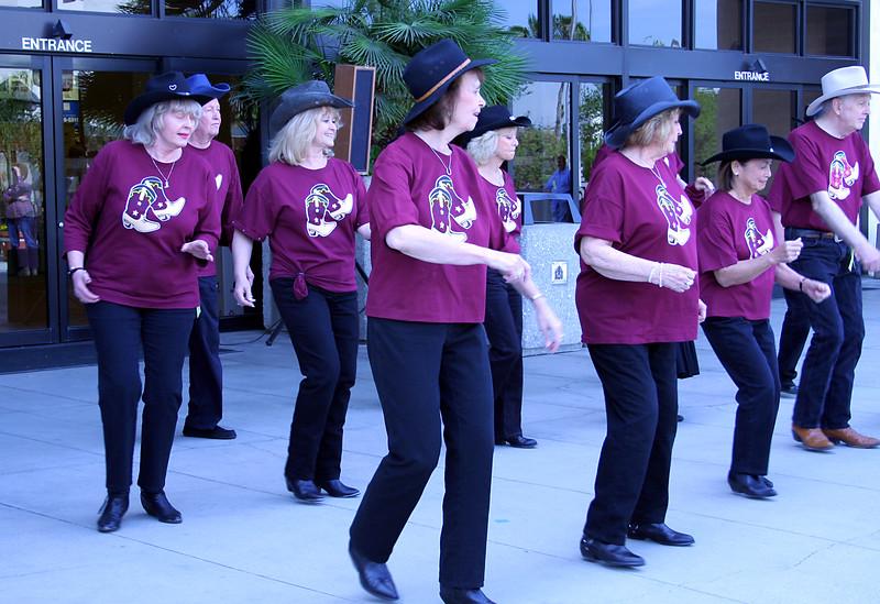 5719 Heel Toe Go Dancers.jpg