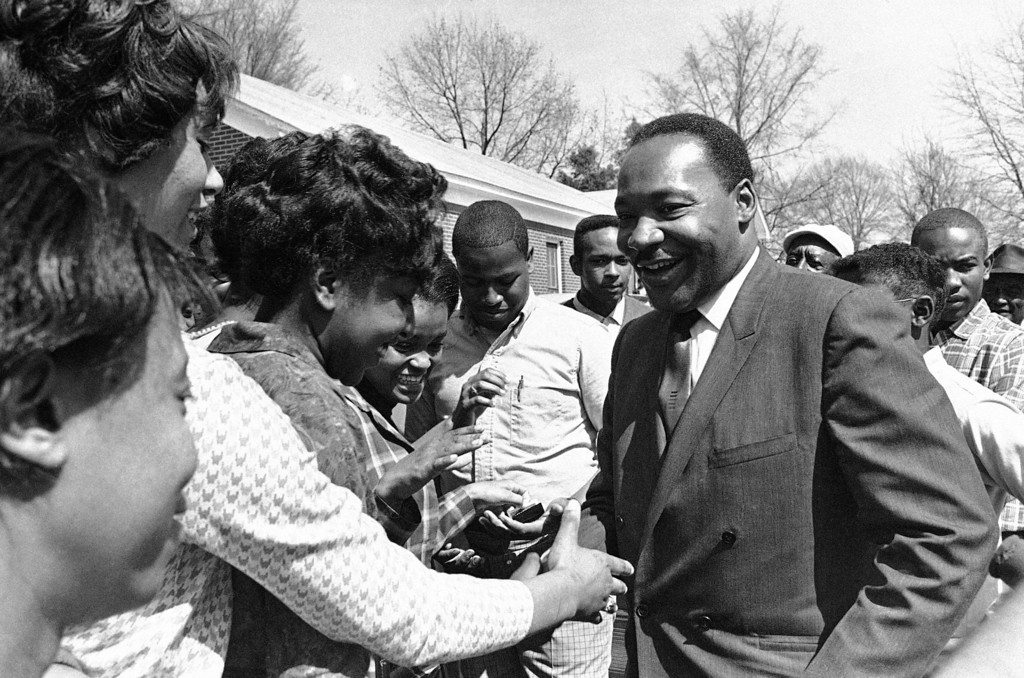 . Dr. Martin Luther King recruiting �Poor� for march on Washington D.C., at Batesville, Miss.,  March, 19, 1968. (AP Photo/Jack Thornell))