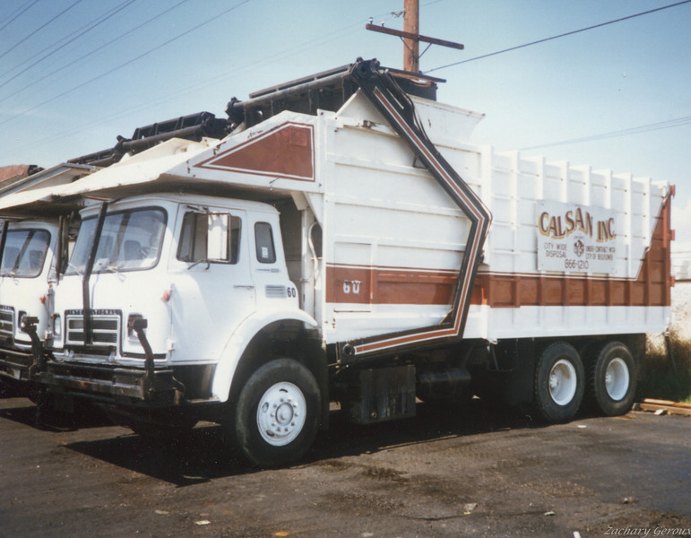 1976 International C&O Half Pack Front Loader