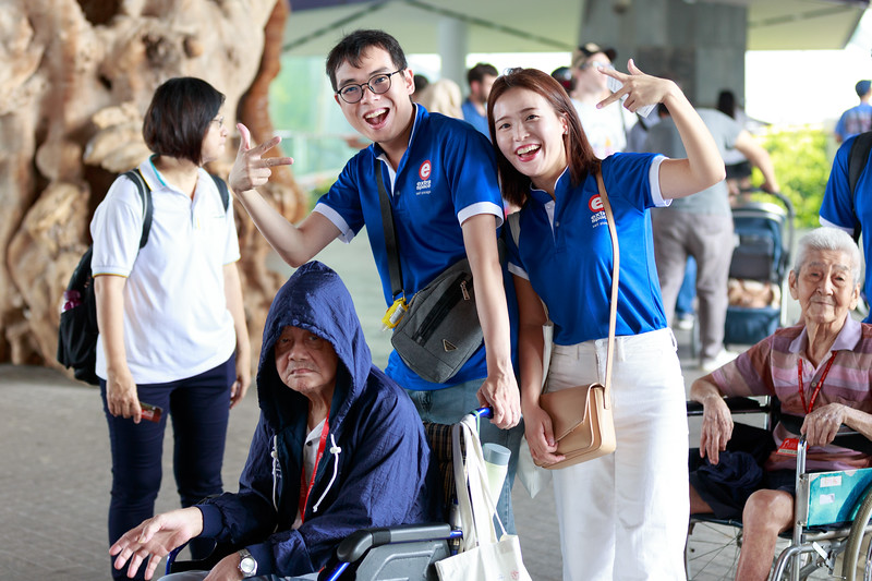 VividSnaps-Extra-Space-Volunteer-Session-with-the-Elderly-002.jpg