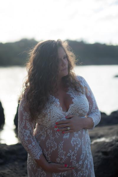 kauai-maternity-18.jpg